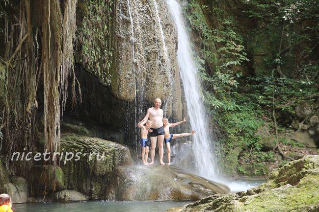 на водопаде Эраван