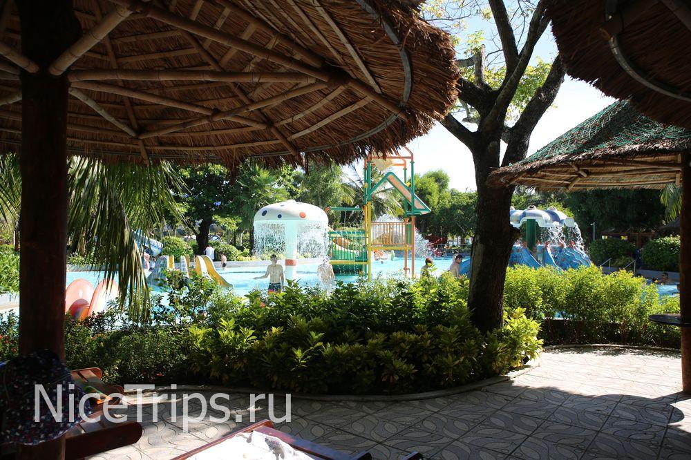Детская зона в аквапарке.