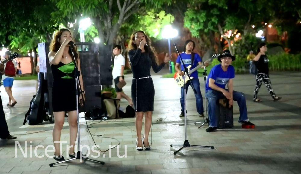 Вьетнамские певицы.