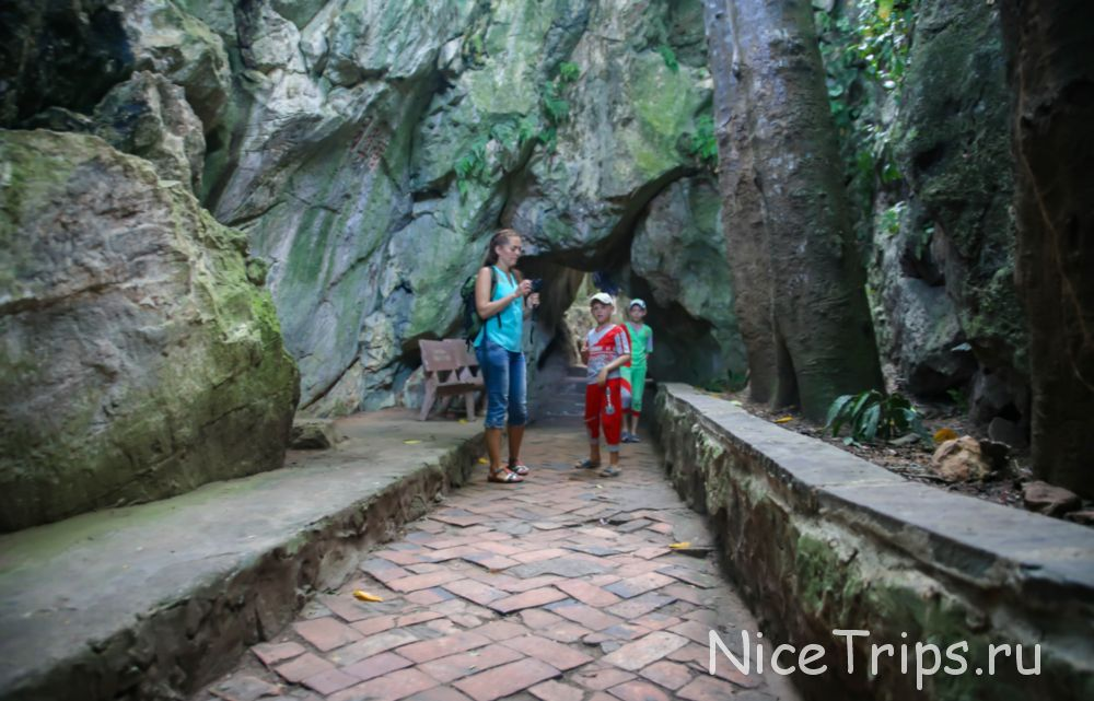 Вход в Пещеру TANG CHON