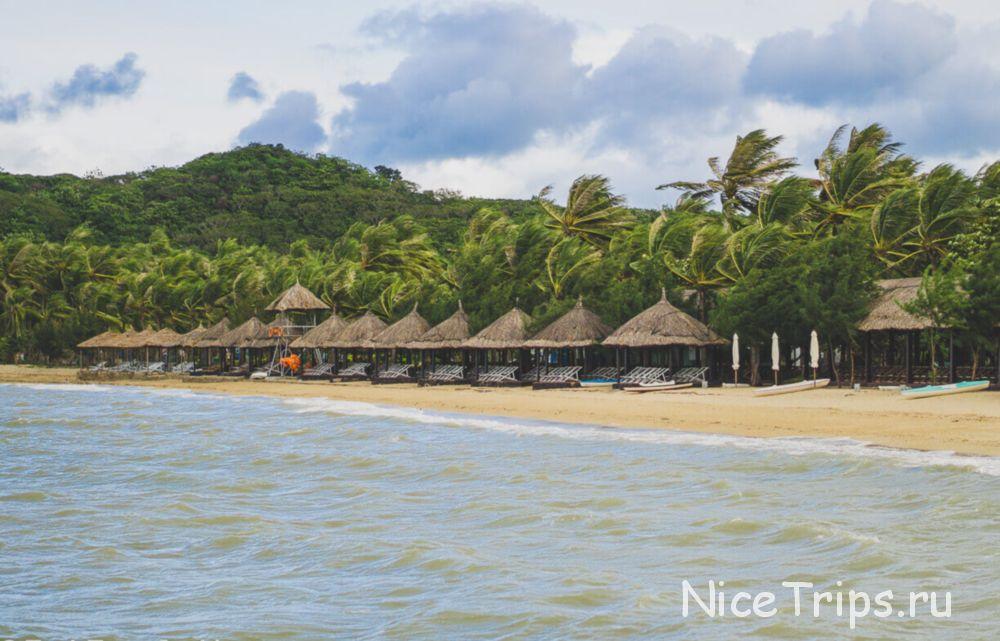 пляж на острове обезьян