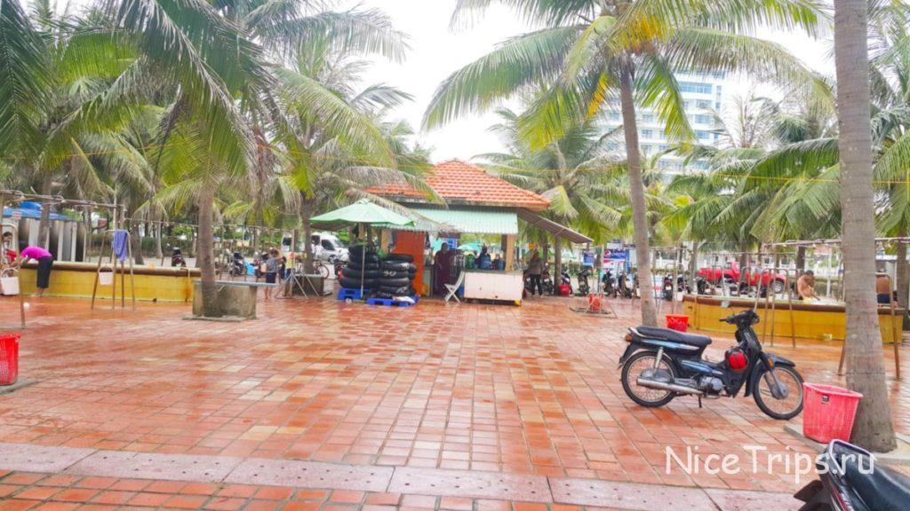 Платный пляж Ми Кхе Дананг