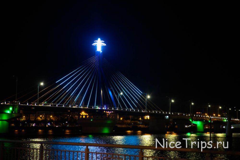 Мост Хань Ривер в Дананге