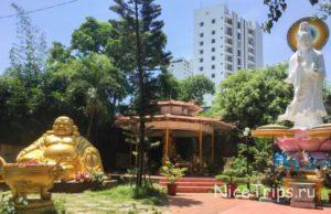 phap Lam Pagoda in Da Nang