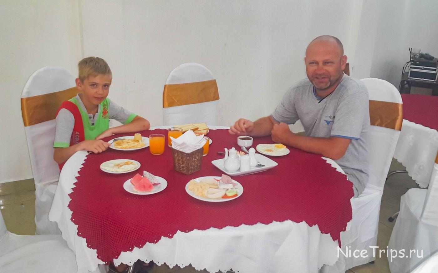 завтраки в отеле Gold Coast