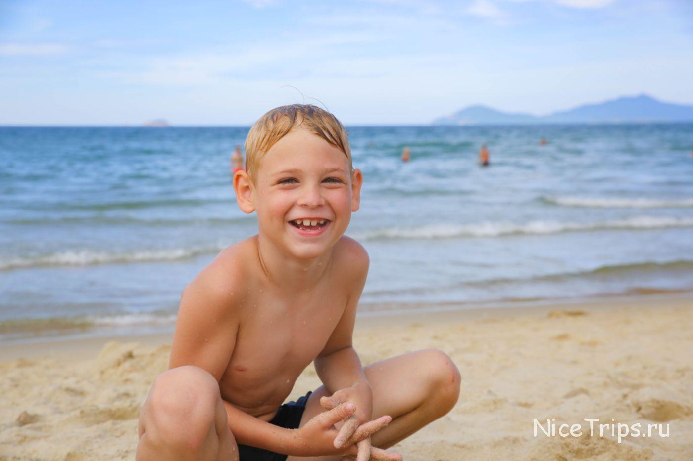 на пляже Хойана