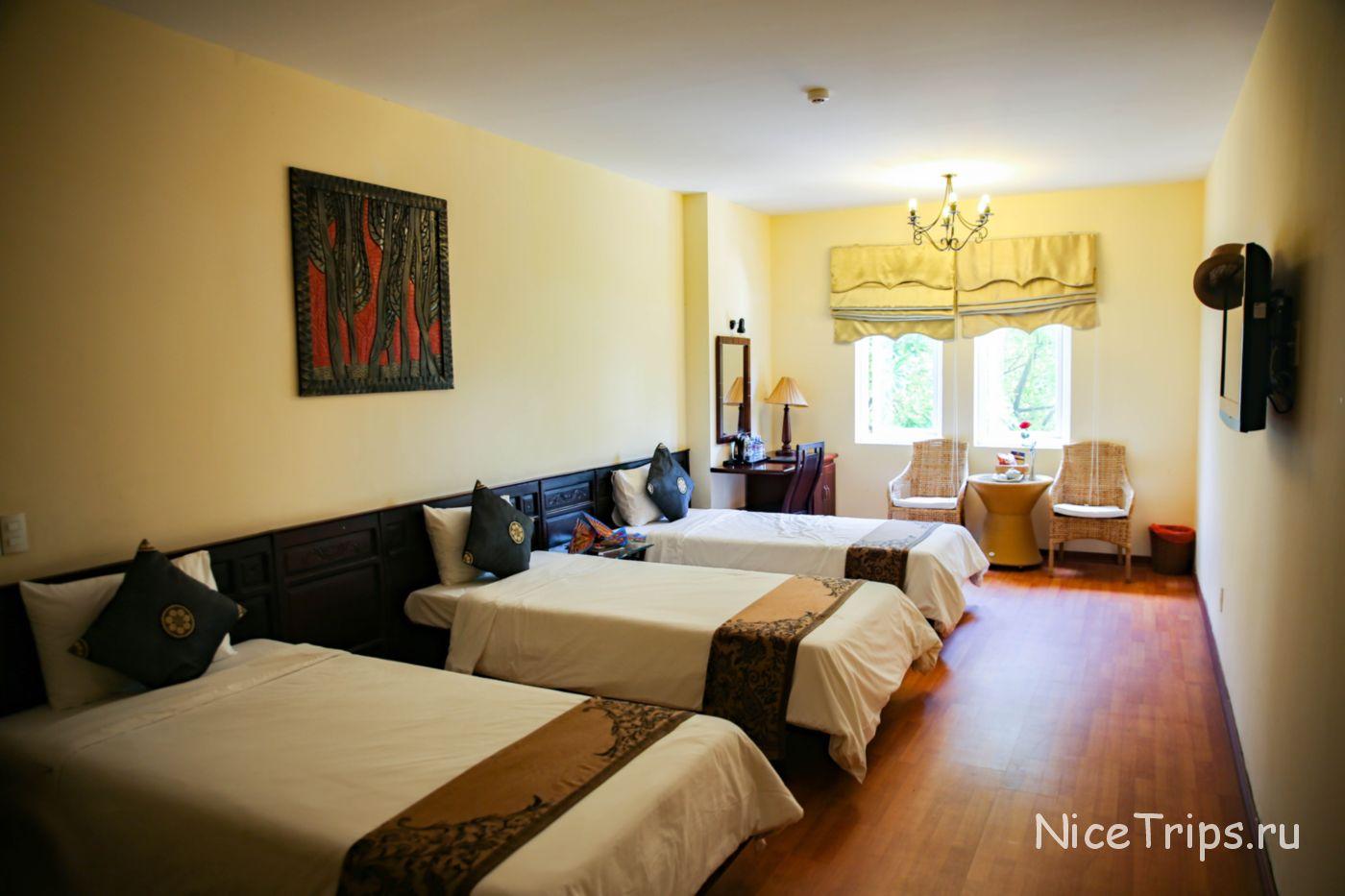 комната с 3 кроватями в Gold Coast