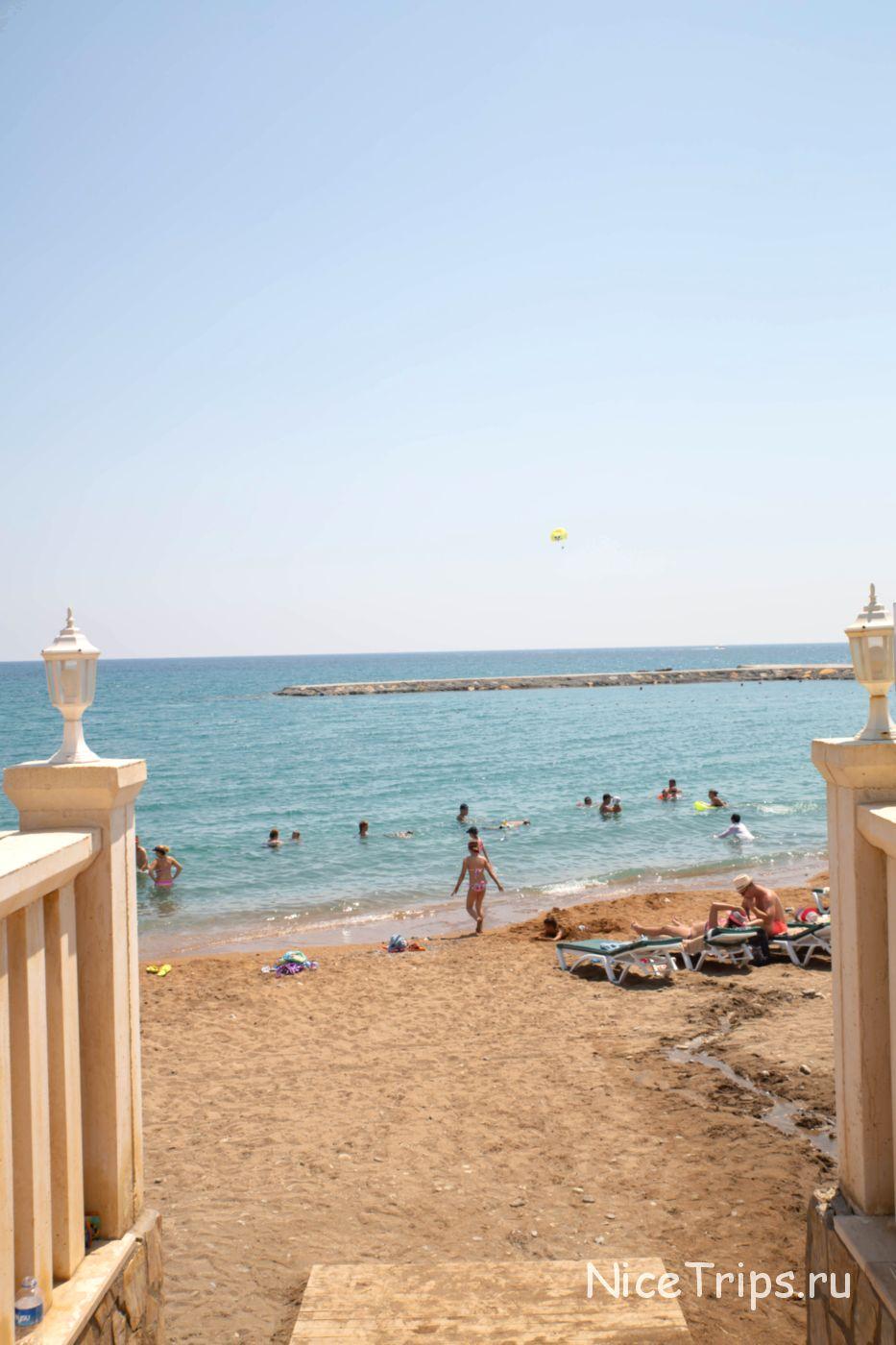 Пляж территории Eftalia Village