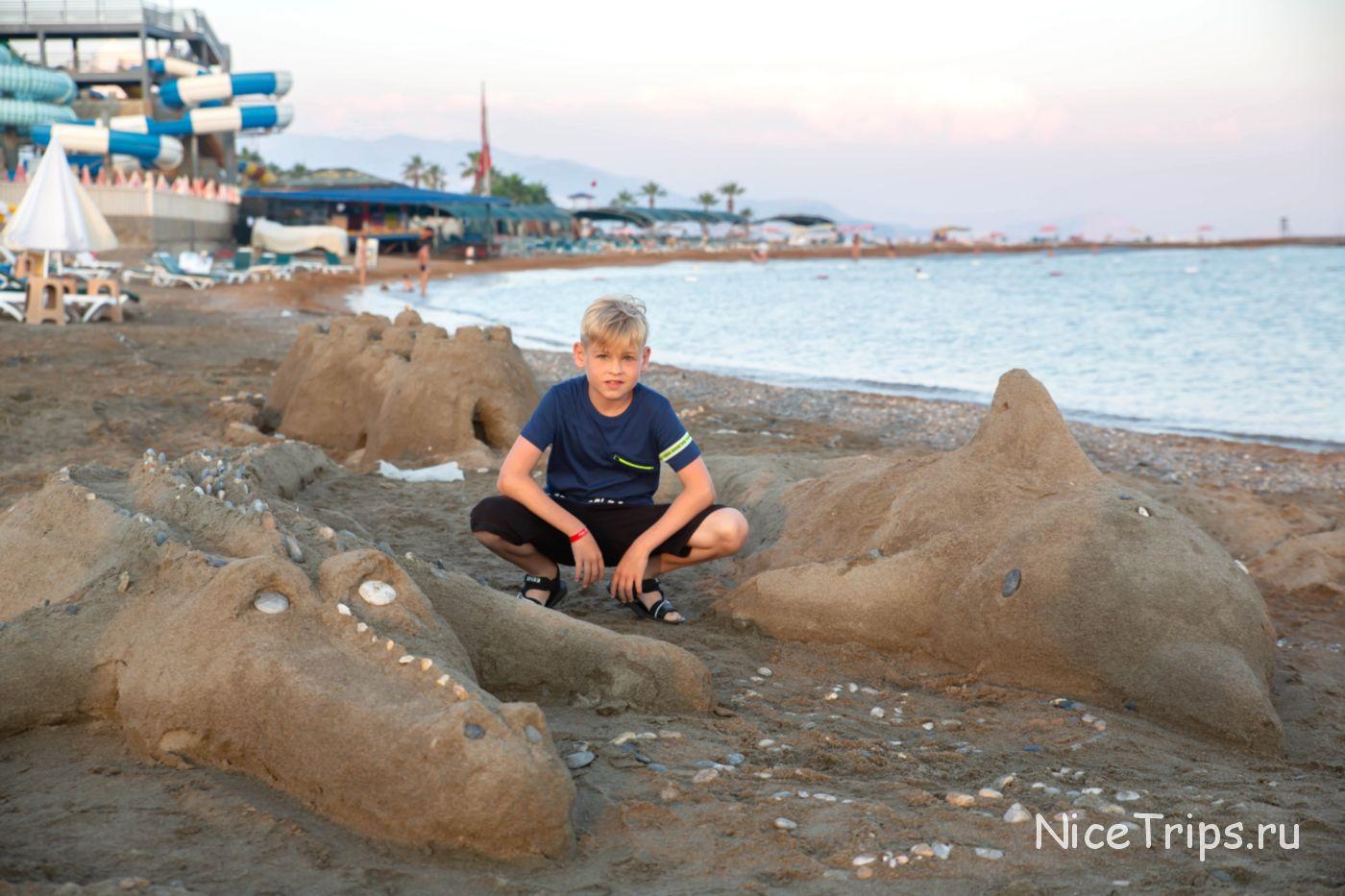 Песок на пляже Eftalia