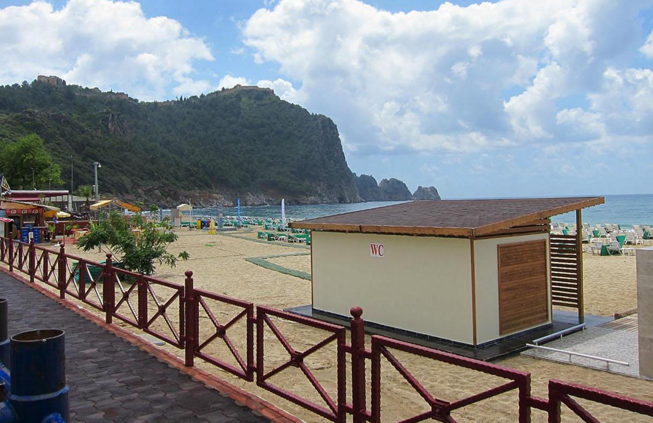 туалет на пляже Клеопатра