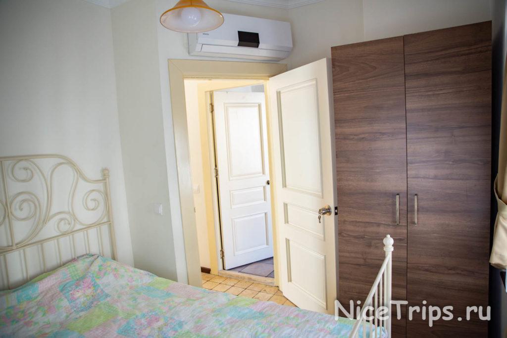 спальня в отеле The suite