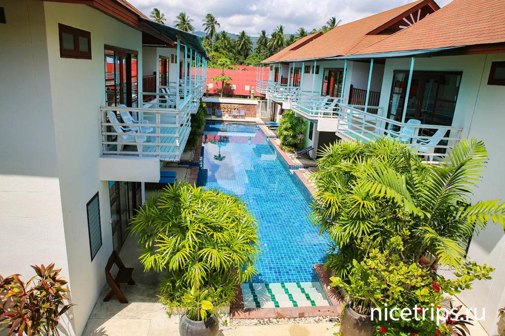 Жилые корпуса в отеле Florist Resort на Самуи