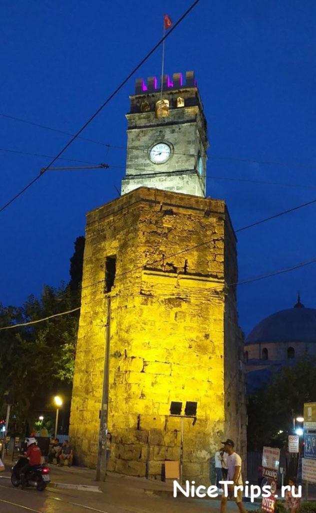 Башня с часами в Анталии