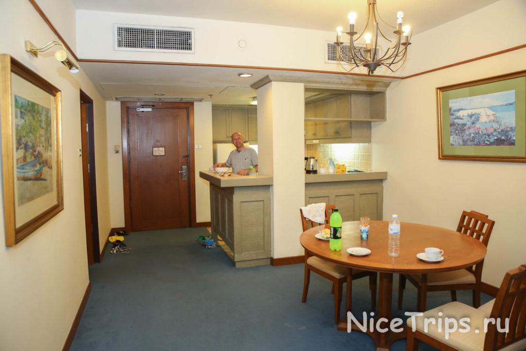 кухня гостиная отеля Pantip suites bangkok