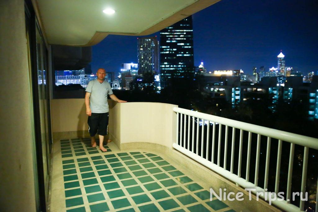 балкон отеля Pantip suites bangkok