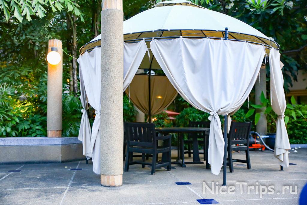 беседка отеля Pantip suites bangkok